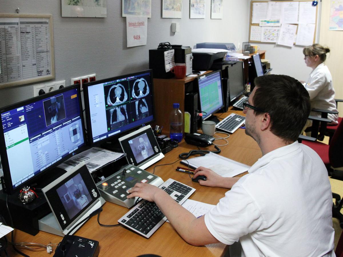 Informatikai fejlesztés az onkológiai intézetben